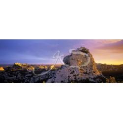 Un rocher des Beaux de Provence en panoramique